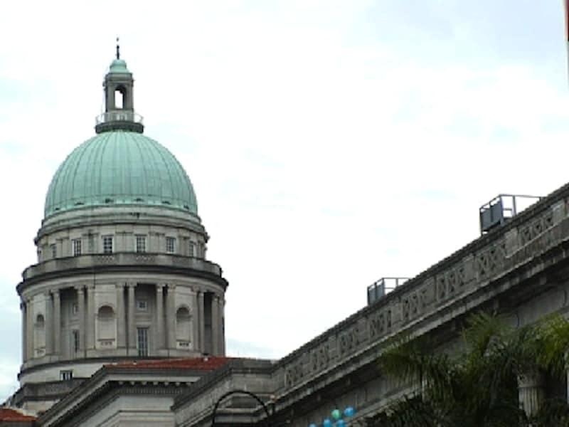1939年にイタリアの彫刻家によって建てられた最高裁判所など、歴史ある建造物が多く残っているエリアです