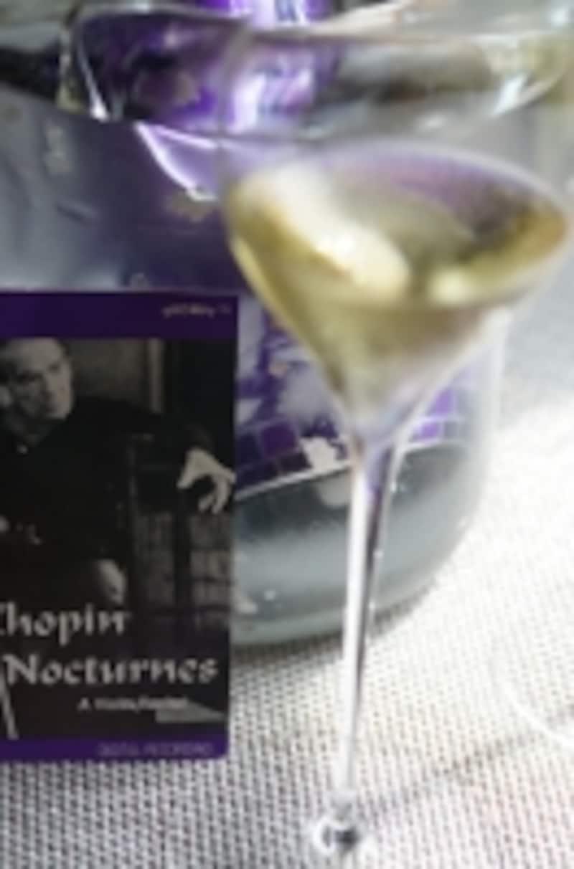 ショパンのノクターンの古いCDジャケットも、ちょうど紫色