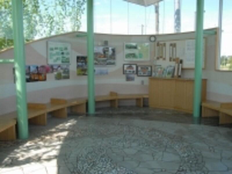 用土駅のコミュニティ・ステーション内部