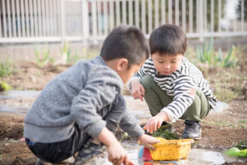 泥汚れ・砂汚れは、普通に洗濯しても落としきれません。まず乾かして、できるだけはたき落としましょう!