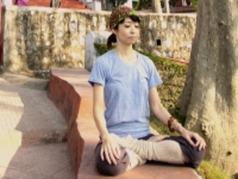 あなただけのお気に入りの場所に座って、メディテーション。心の贅肉もスッキリさせましょう!