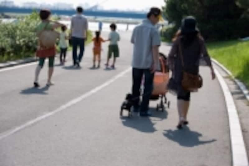 同居の家族がいるご家庭の場合、人身傷害補償が「車外や歩行中も補償」になっているとかなり心強いです。