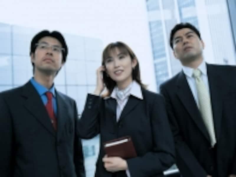 色の制約があるビジネススーツは、違いをとらえるコツが大切です。