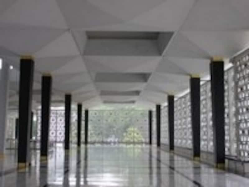 国立モスクの廊下