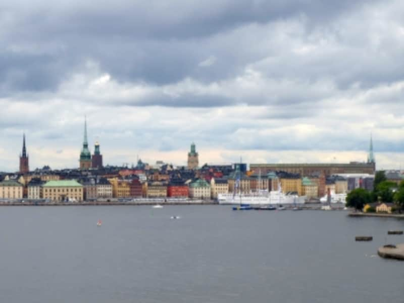 ストックホルム市内を船から眺めた様子は、映画の中でキキが空から眺めた町を連想させます