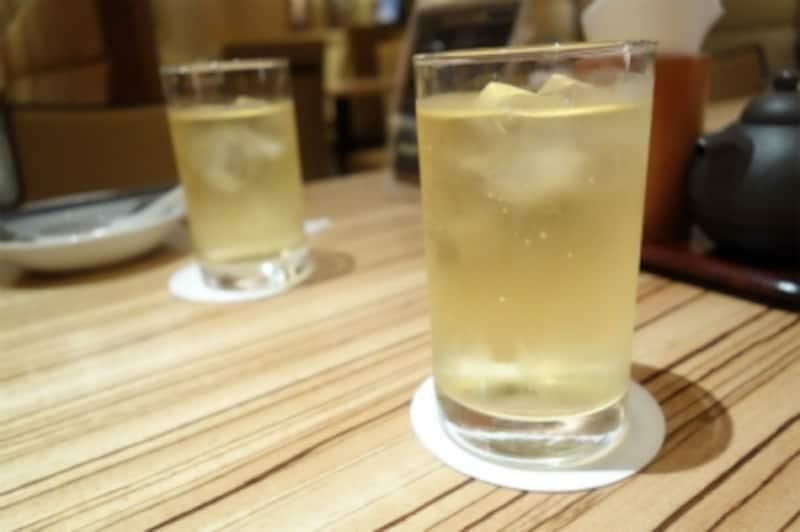 ジャスミン茶はサービス