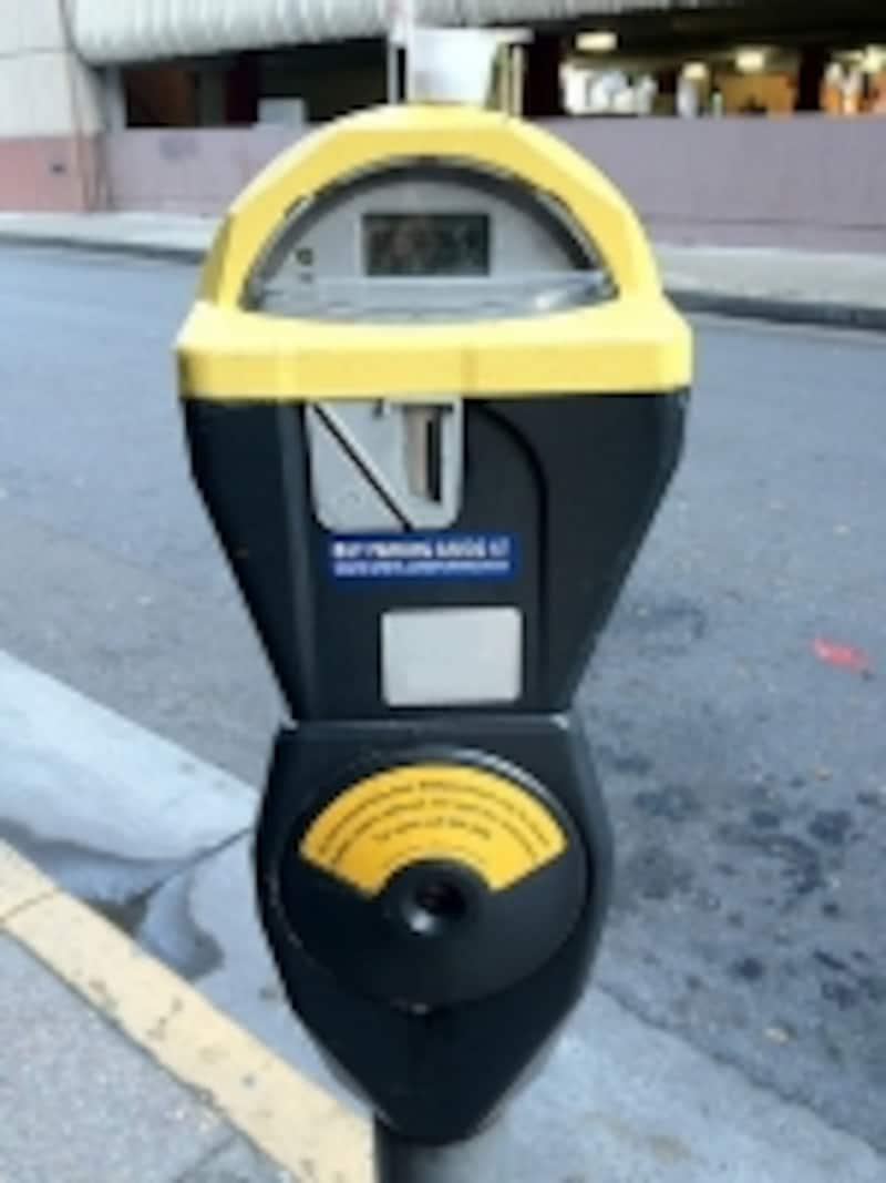 サンフランシスコのパーキングメーター(一例)。