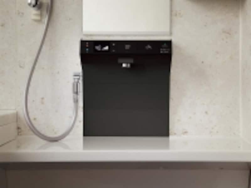 ワンタッチで簡単に操作できる水栓。LED内蔵の光るボタンや、お湯の温度や流量がひと目で分かる液晶表示。undefined[オフローラundefined洗い場側水栓undefinedらくピタ水栓(ブラックカバー)]