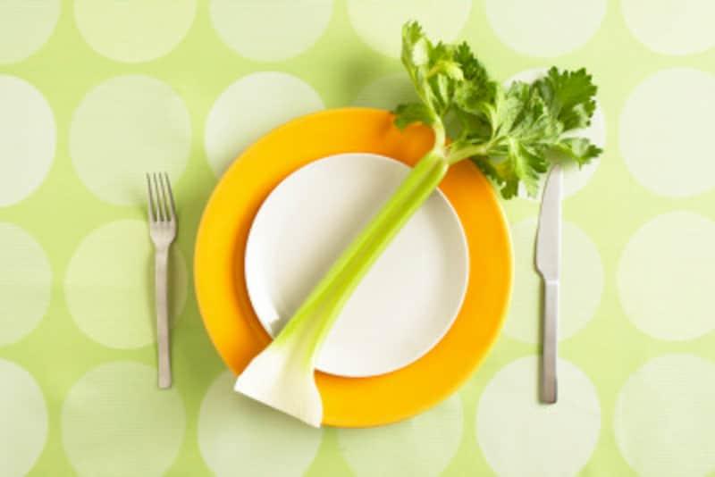 ぽっこりお腹を解消する食べ物セロリ