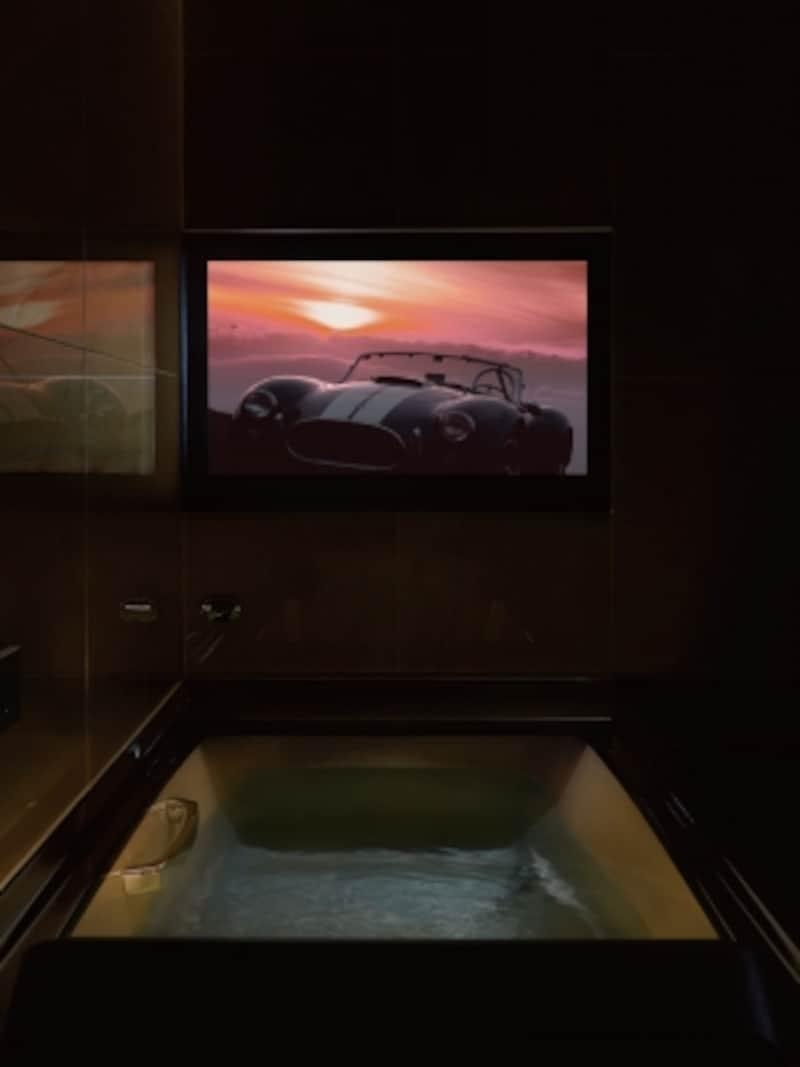 浴槽につかりながら、臨場感のある映像と天井から降りそそぐサウンドを楽しめる。フルデジタルサウンドシステムと組み合わせることも。undefined[スパージュundefinedアクアシアター]undefinedLIXILhttp://www.lixil.co.jp/