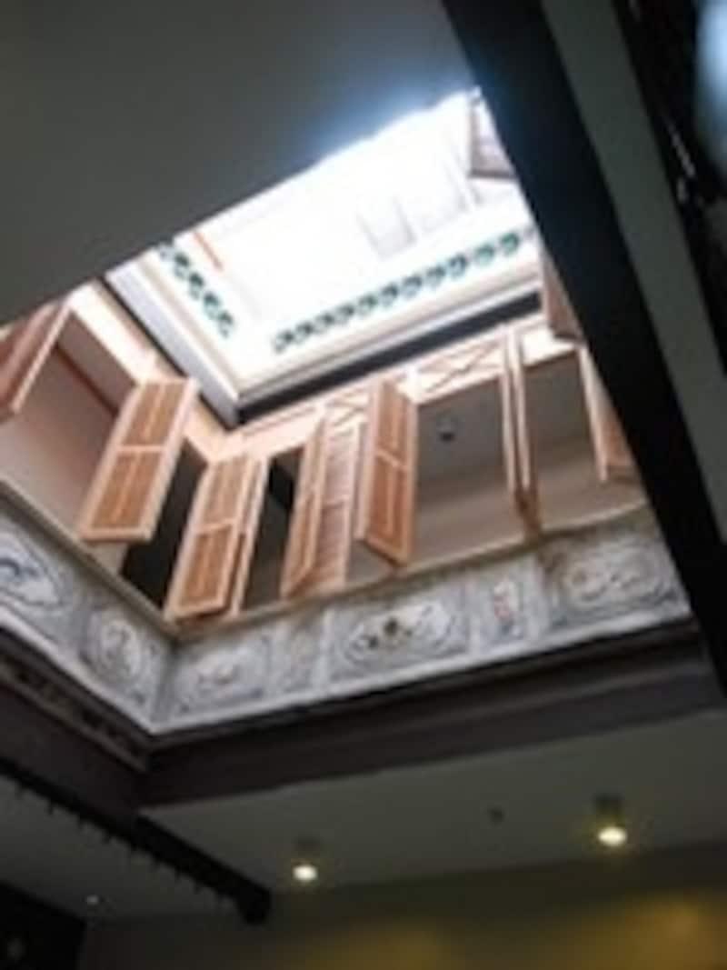 ロビーの天窓
