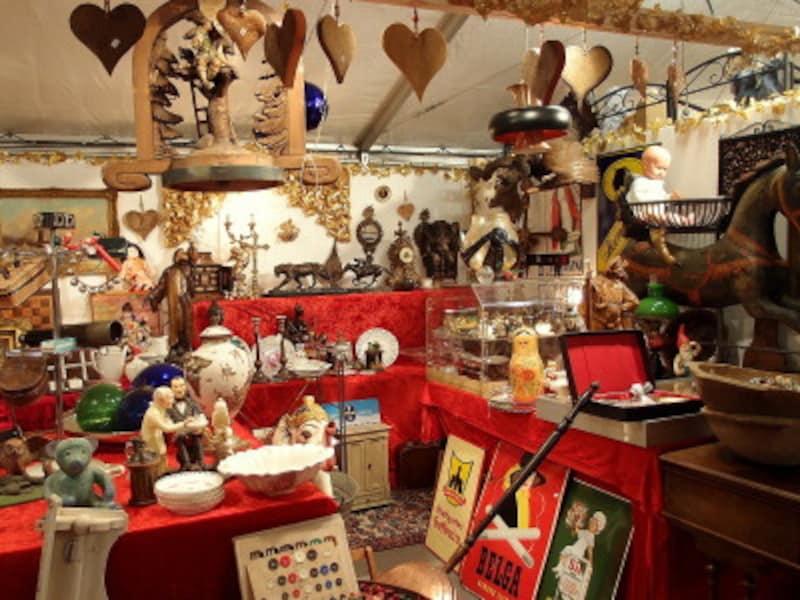 クリスマスマーケットのアンティーク市で掘り出し物がみつかるかも