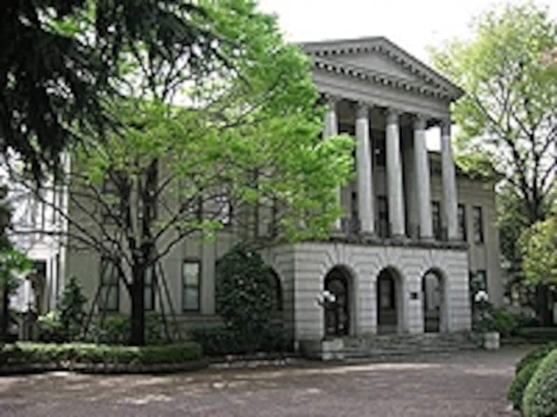 系列として、青山学院中等部・高等部などがある。高等部の8割が青山学院大学、その他2割は難関大学などへ進学