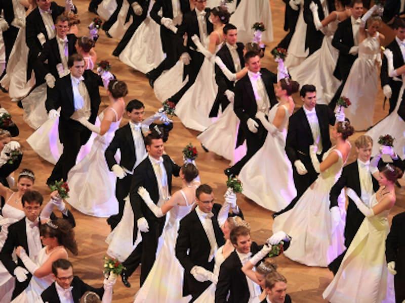 カフェオーナーの舞踏会、ペアダンス