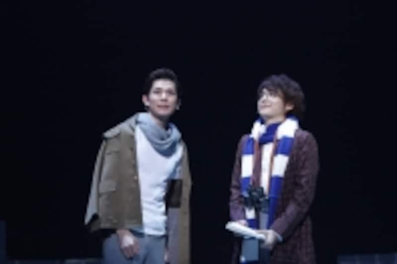 『メリリー』終盤のフランク(柿澤勇人)とチャーリー(小池徹平)撮影:渡部孝弘