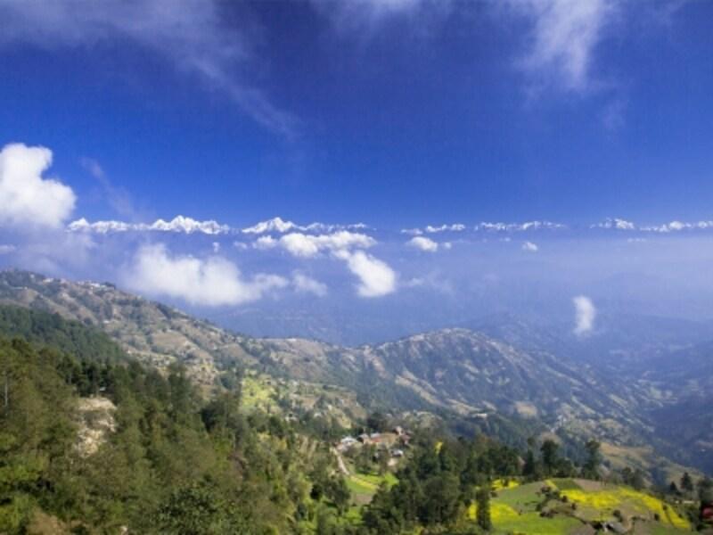 ナガルコットから北のヒマラヤ連山を望む