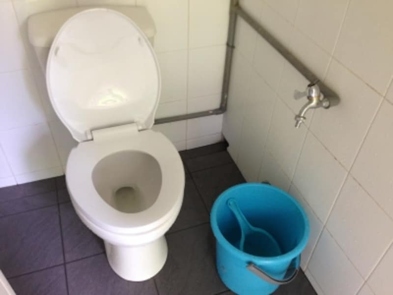 バケツトイレ