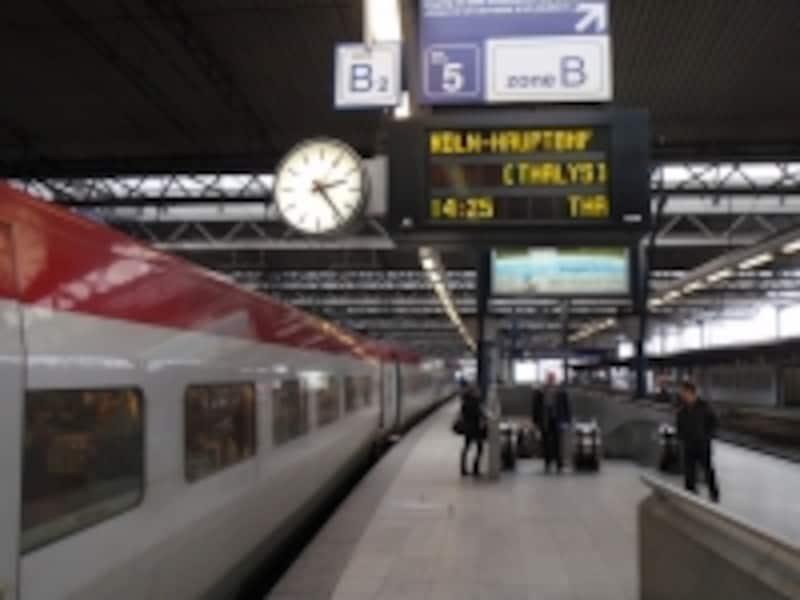 国際列車に乗ってフリーパスでヨーロッパを旅行(写真はベルギーからドイツへ向かうTHALYS)