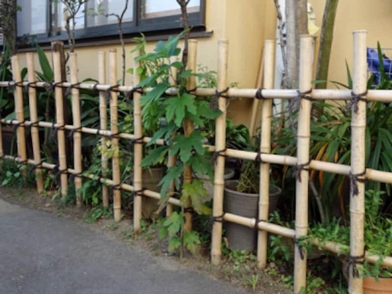 竹製のフェンス