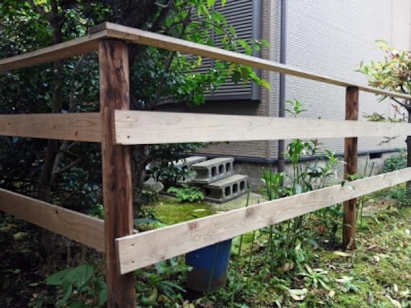 隣地との間のフェンス