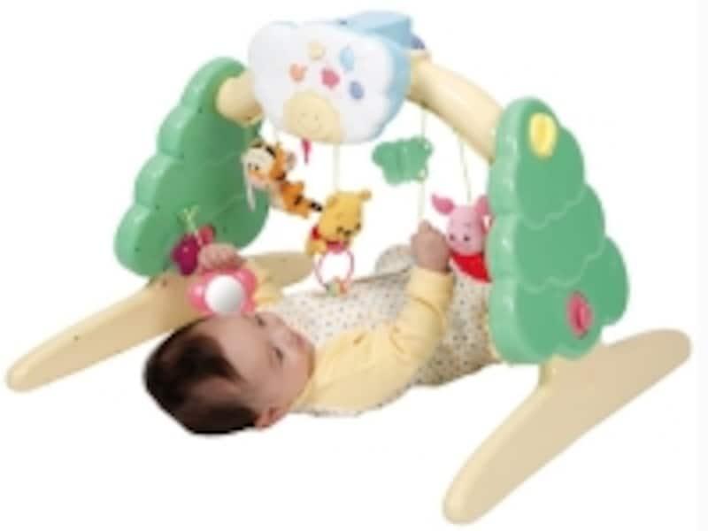 胎内音や童謡などのサウンドもいっぱい!undefinedくまのプーさんのぬいぐるみははずして遊ぶこともできます