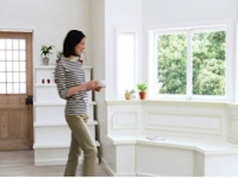 家具や家電を買うときには、色や素材が手持ちのものと合うか、よくチェックしてみて。