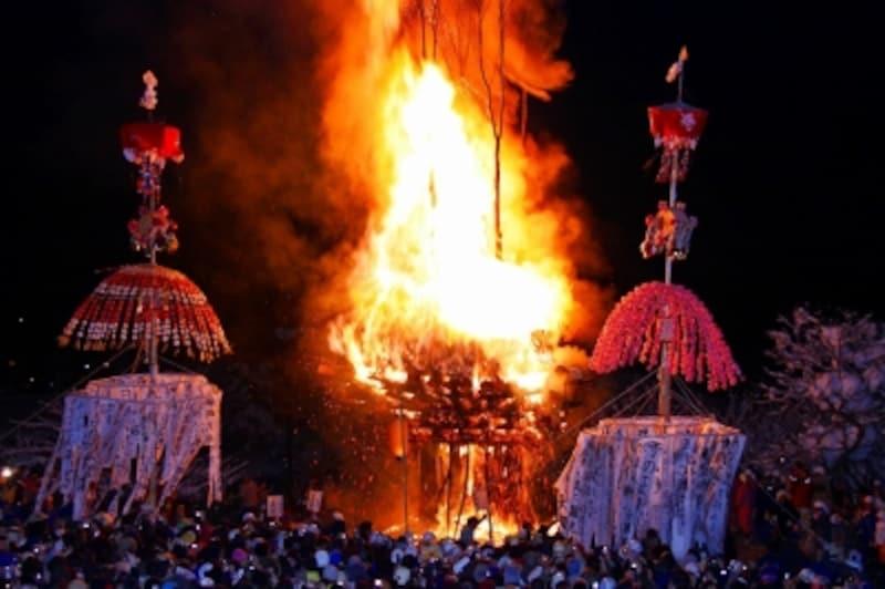 野沢温泉の道祖神祭り