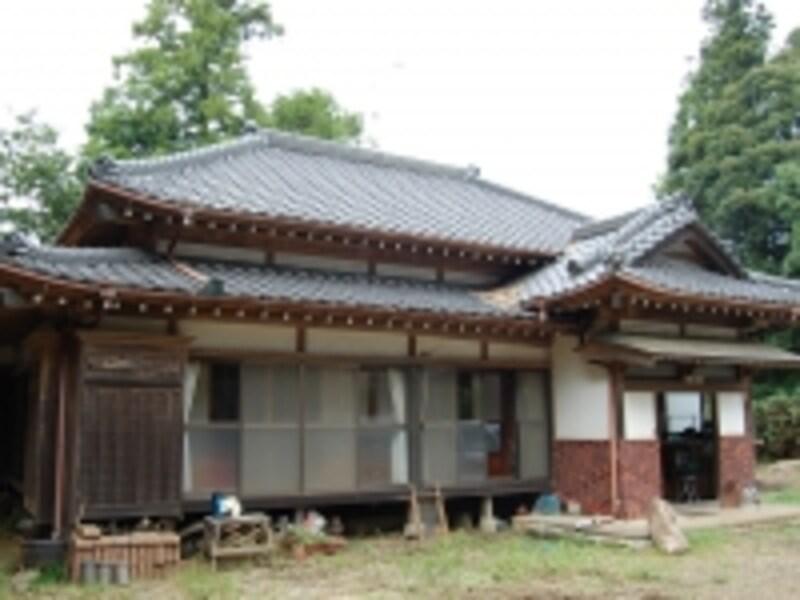 老朽化した日本家屋