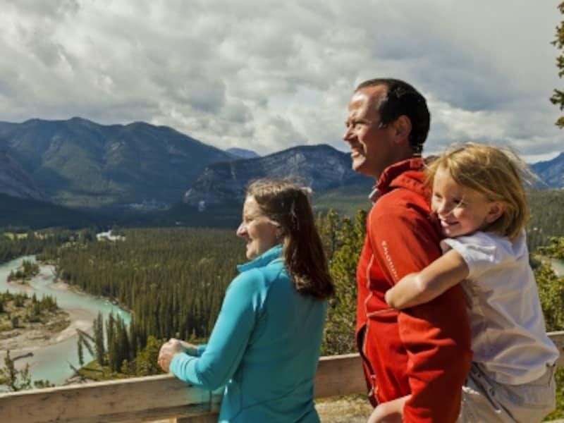 家族みんながハッピーになれる旅行が一番!(C)BanffLakeLouiseTourism/PaulZizka