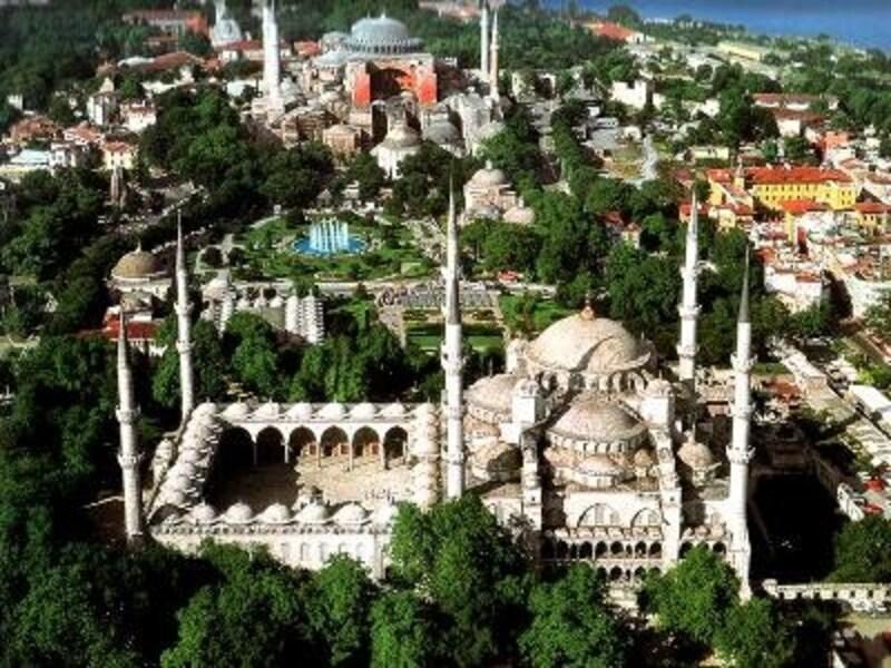 このところ大人気のトルコは、ツアーの種類も豊富