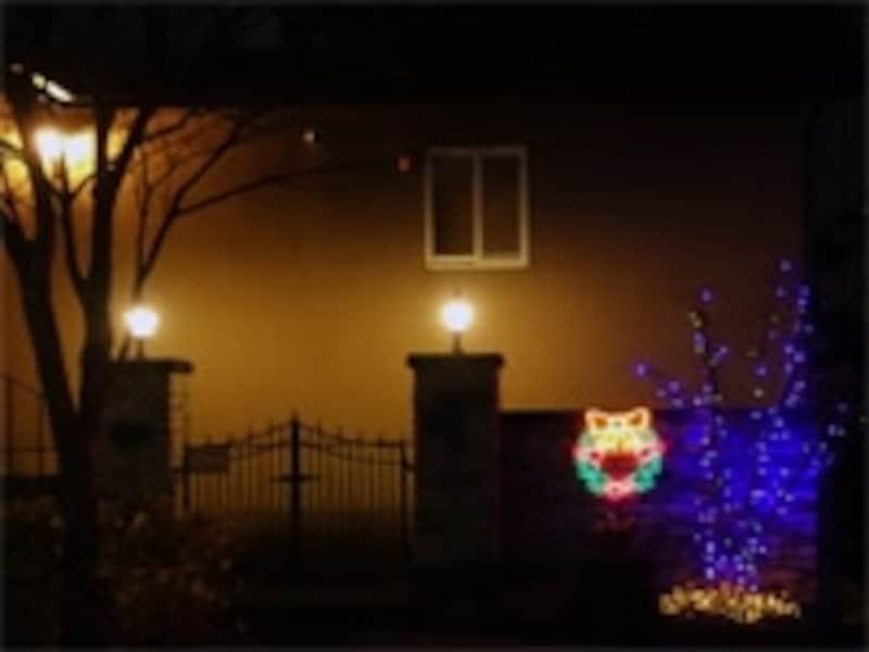 住宅地のクリスマスイルミネーション