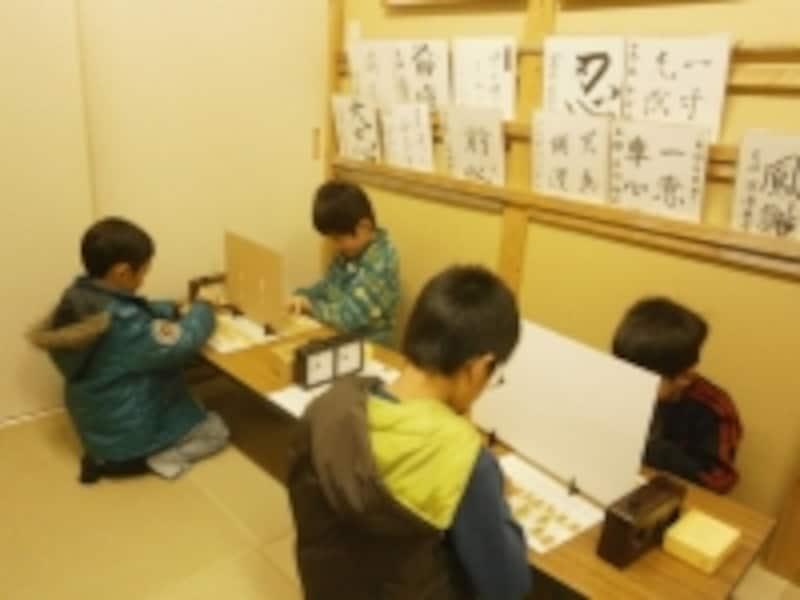 子ども達が熱狂する「陣組み将棋」