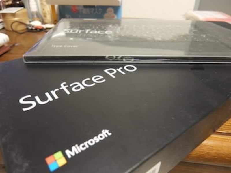Surface2の外箱と付属キーボード