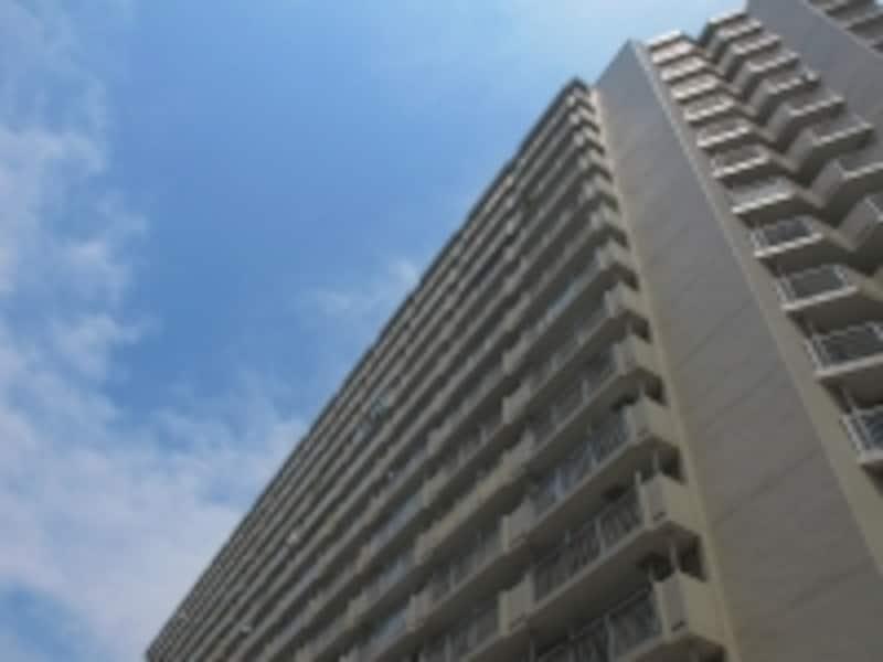 外廊下型マンションは最もポピュラーなマンション形式です。