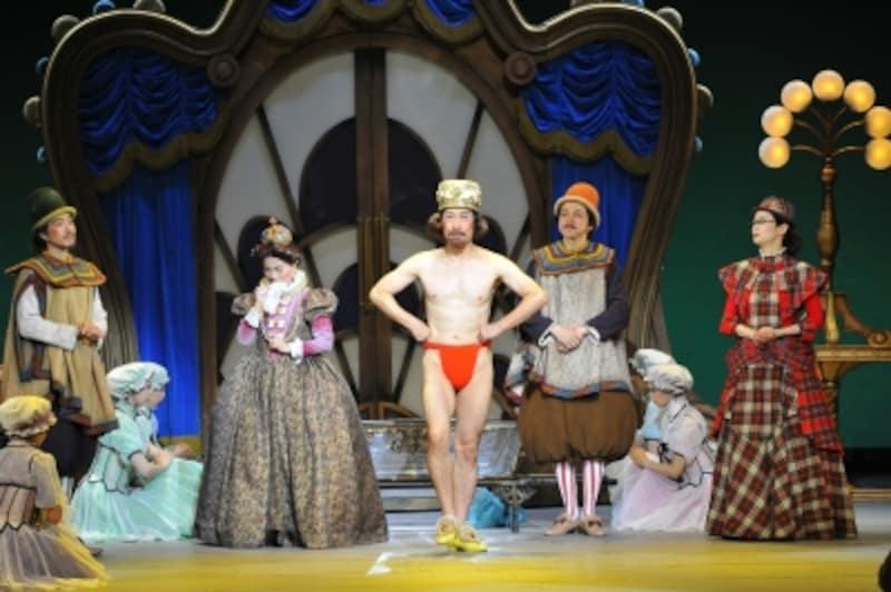 『はだかの王様』undefined王様は遂に「お馬鹿さんには見えない服を着るのですが……。undefined撮影:阿部章仁