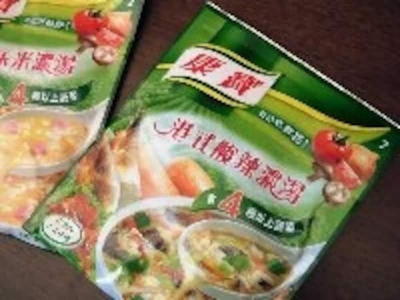 お鍋で作るスープの素や大きいタピオカなど、スーパーは食材探しが楽しい