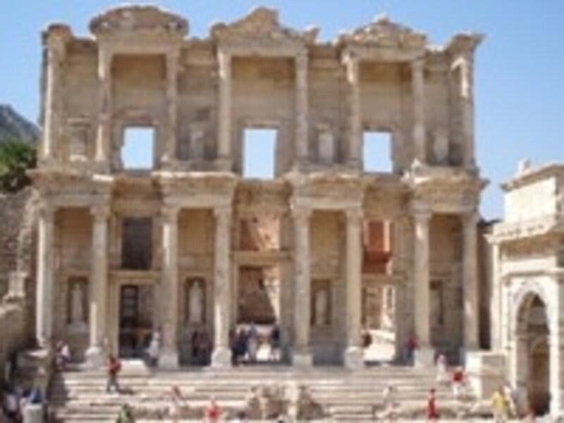 エフェス古代遺跡のケルスス図書館