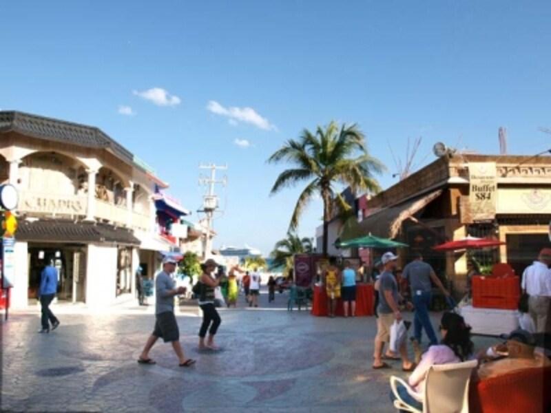 セントロとビーチが直結した町