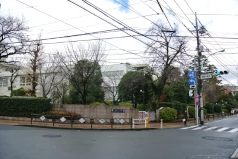 桐朋学園前の交差点