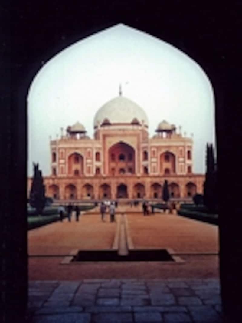 西門から見たフマユーン廟