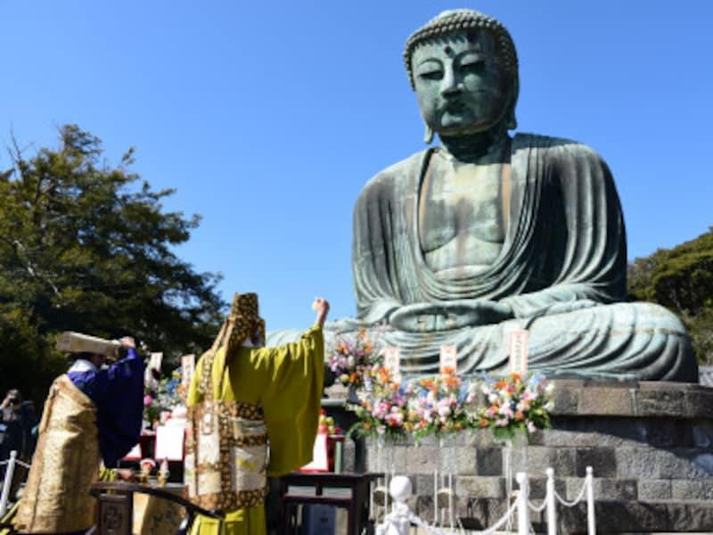 2016年1月13日~3月18日まで、約2ヶ月にわたる大がかりな調査・清掃作業を終えた鎌倉大仏。作業終了後には法要が営まれた