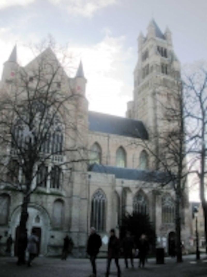ブルージュ最古の教会