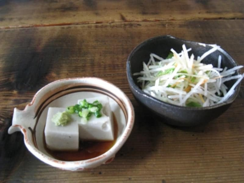 蕎麦豆腐とサラダ