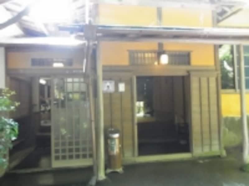 強羅環翠楼undefined玄関