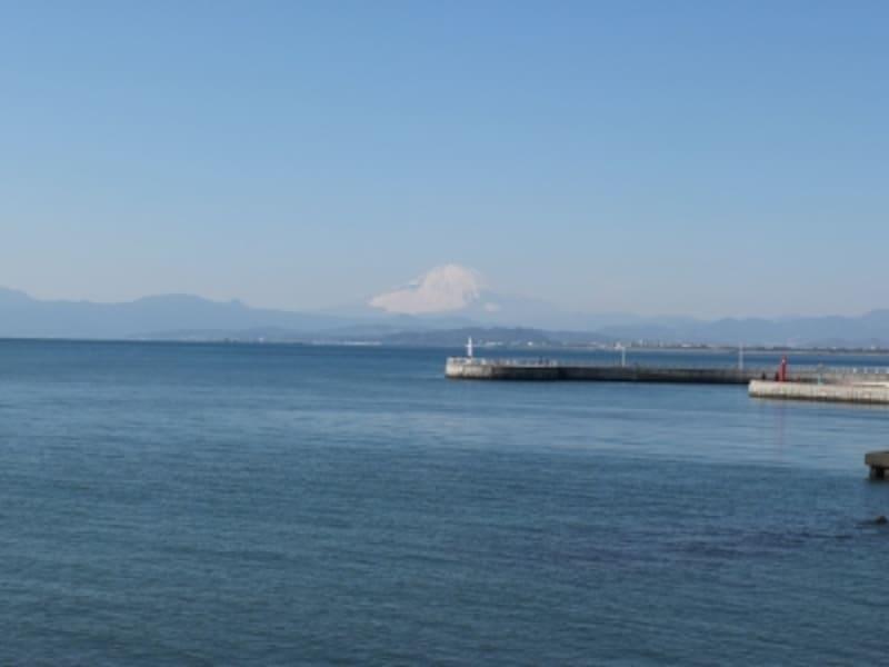 江ノ島弁天橋から眺めた富士山