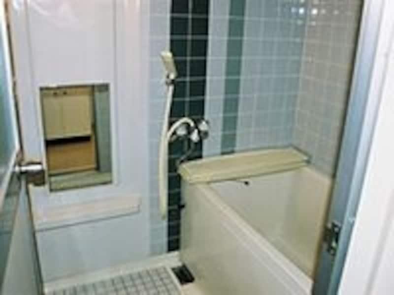 窓のないお風呂場の換気扇は、24時間スイッチを切らないくらいでちょうどいいのです