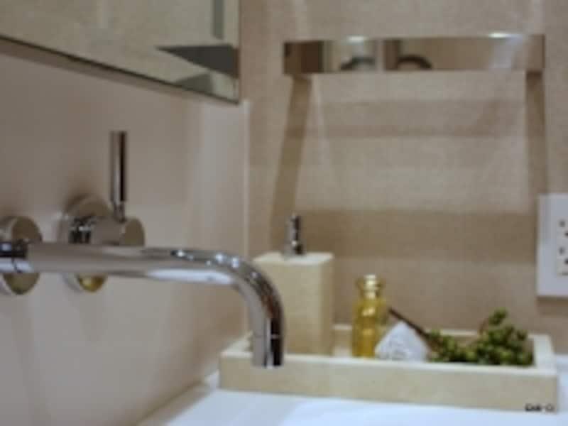 『ドンブラハ』壁埋込型シングルレバー洗面用混合栓「メタ」(「アークヒルズ仙石山レジデンス」モデルルームにて撮影)