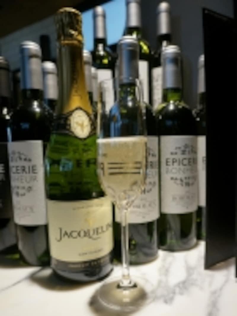 ワインは常に120種類以上