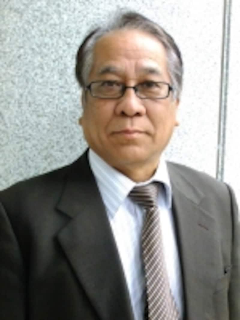 「杖を必要とされる方々に、歩きやすくて良かったと喜んでいただきたい」と語る、浜元陽一郎社長