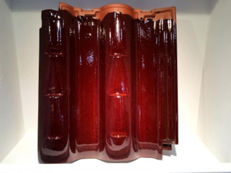 釉薬を塗った陶器瓦